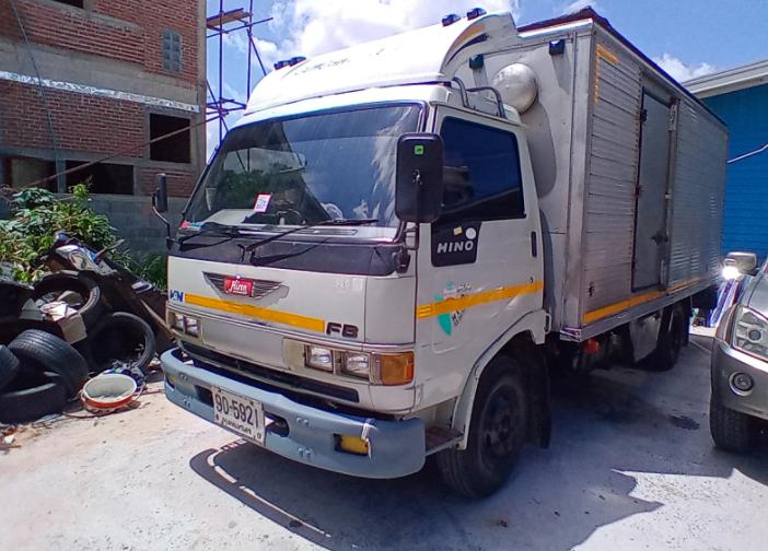 รถ6ล้อตู้แห้ง ้hino